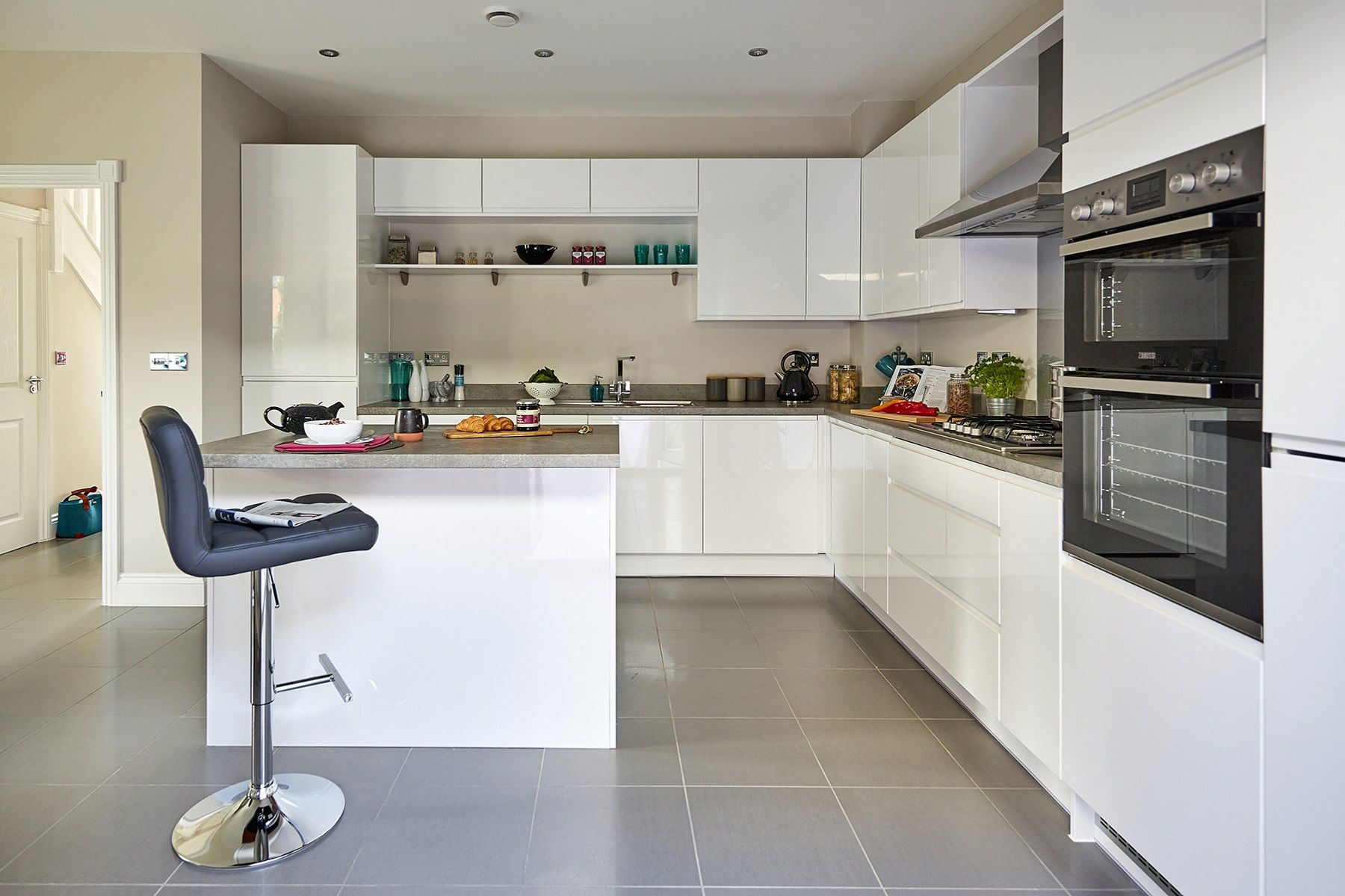 TW Exeter - Sherford - Redwood Show home kitchen 3